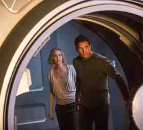 Jennifer Lawrence and Chris Pratt in The Passengers